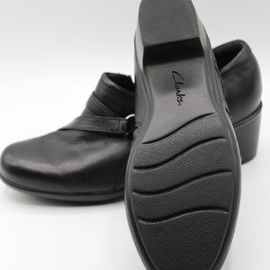 Clarks Shoes - CLARKS Slip On Wome's Black Shoes Size 7M